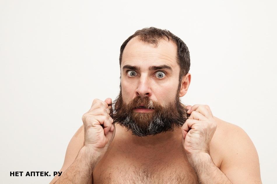 У мужчины много волос на теле у